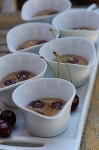 Mini clafoutis aux cerises et lait de coco - Vanessa Romano photographe culinaire