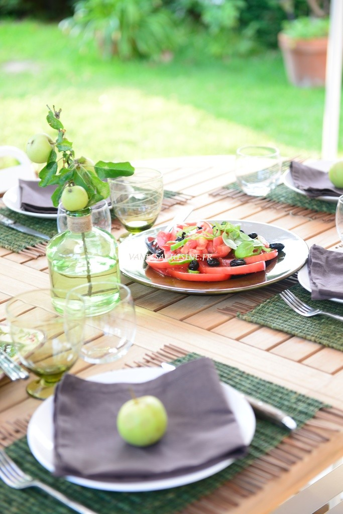 Salade de tomate en Provence - Tomatoe salad in Provence -  Vanessa Romano-Photographe et styliste culinaire- (1)