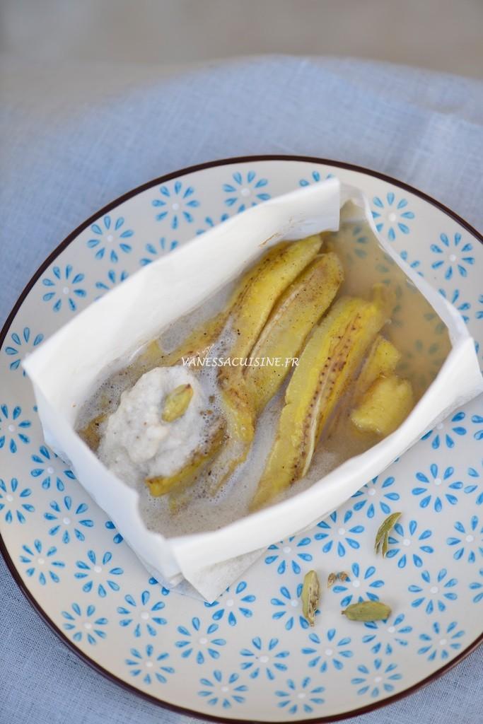 Papillote de banane à la cardamome et crème coco - Le VItaliseur -Banana and cardamom papillote, with coconut cream - Vanessa Romano photographe et styliste culinaire (1)