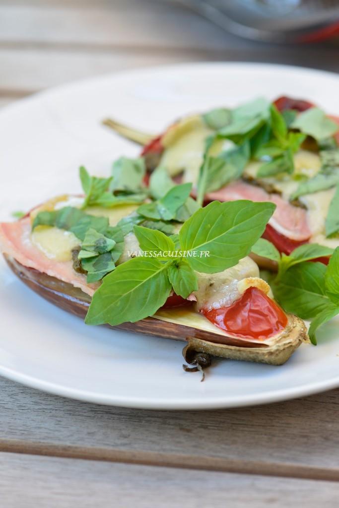 Aubergines rôties au pistou, jambon et comté - Roasted eggplants with basil sauce, ham and french cheese - Vanessa Romano photographe et styliste culinaire