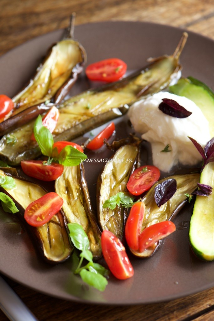 Aubergines et courgettes grillées, Burrata - Roasted eggplants and zucchinis with Italian Burrata - Vanessa Romano photographe et styliste culinaire _PHO8465