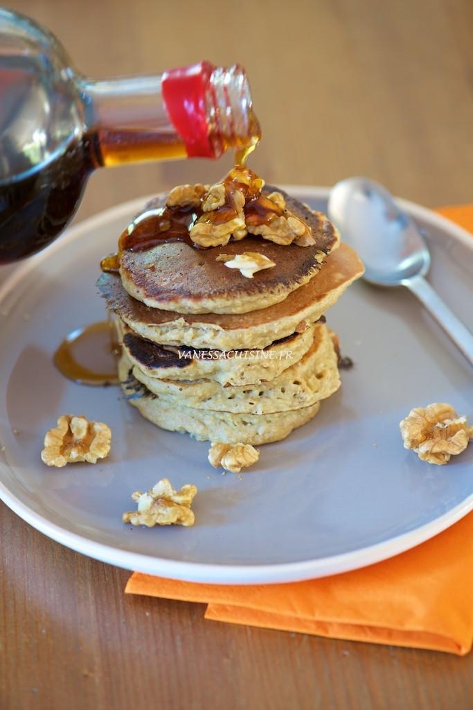 pancakes-aux-flocons-davoine-et-a-la-banane-sans-gluten-ni-laitages-oatmeal-and-banana-pancakes-gluten-and-dairy-free-vanessa-romano-photographe-et-styliste-culinaire-_pho0122